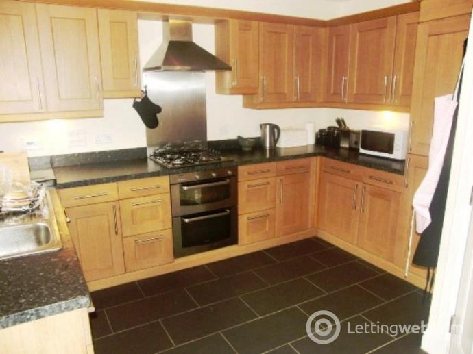 Property to rent in South College Street, Aberdeen, AB11 6LA