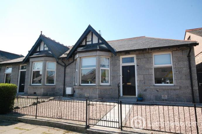 Property to rent in Burns Road, Aberdeen, AB15 4NT