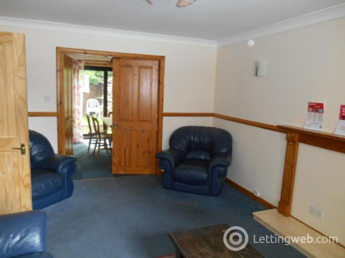 Property to rent in Colville House, Colville Place, Aberdeen, AB24 5LZ