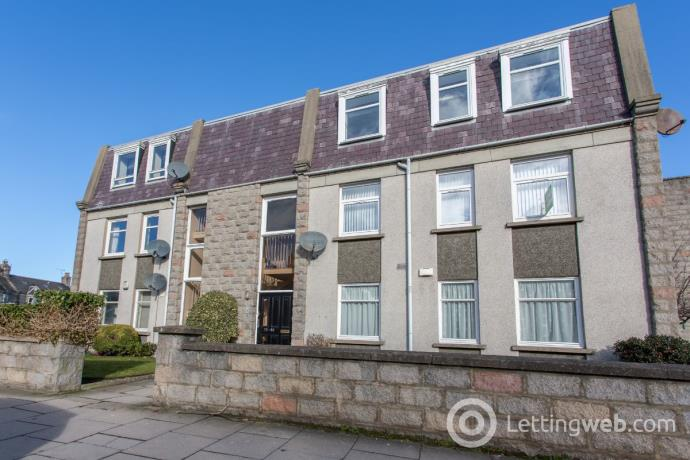 Property to rent in Linksfield Gardens, Aberdeen, AB24 5PF