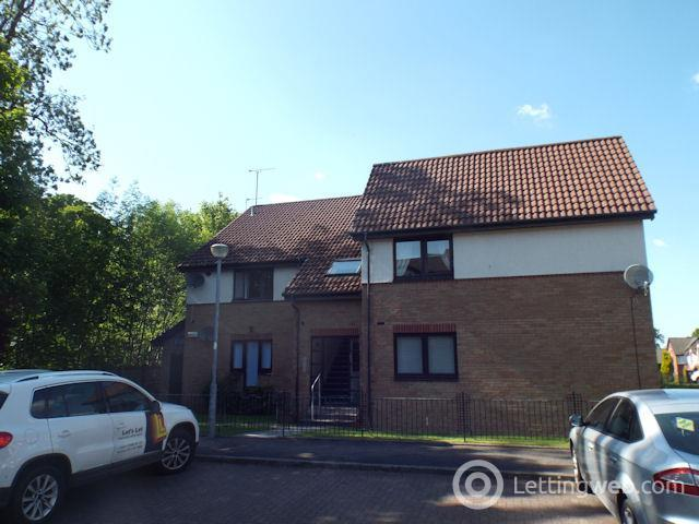 Property to rent in Scarrel Gardens, Glasgow, G45