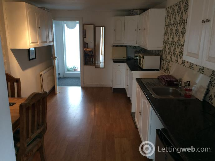 Property to rent in 17 Lower Mains, Dollar, FK14 7LN