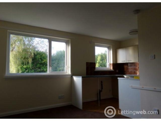 Property to rent in 8 Regent Flats, oakfield Dr, Dumfries