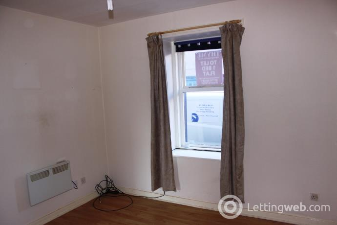 Property to rent in Victoria Street, Montrose