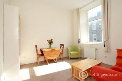 Property to rent in Hill Street, First Floor Right, AB25