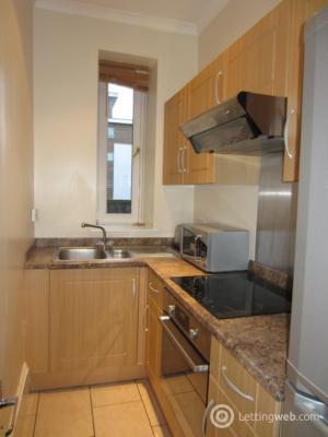 Property to rent in John Street, Aberdeen, AB25