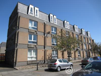 Property to rent in Salisbury Court, Aberdeen, AB10