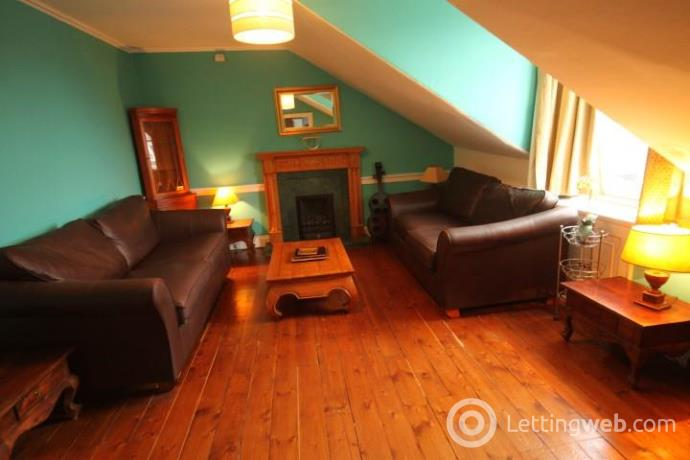 Property to rent in Albany Street
