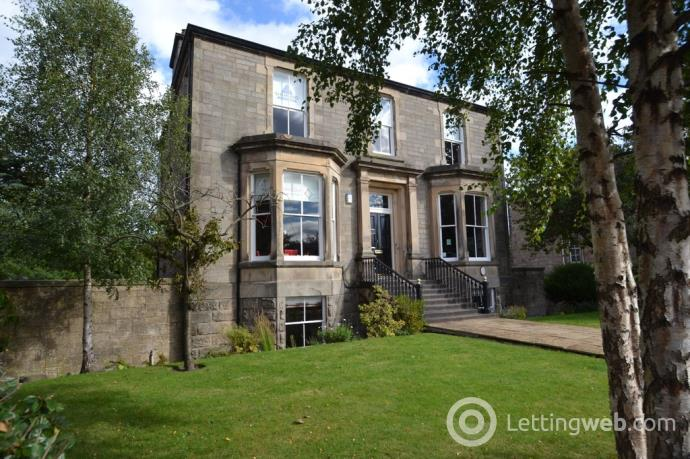 Property to rent in Gladstone Place, Stirling