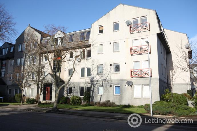 Property to rent in Gairn Mews