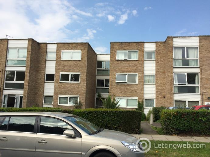 Property to rent in Silverstone Court, Wanstead Road, Bromley