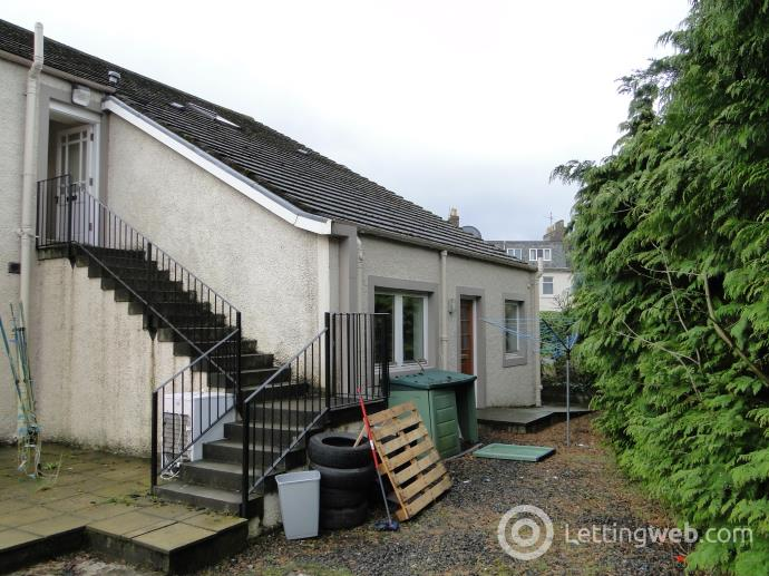 Property to rent in 5 Imrie House Heughfield Road