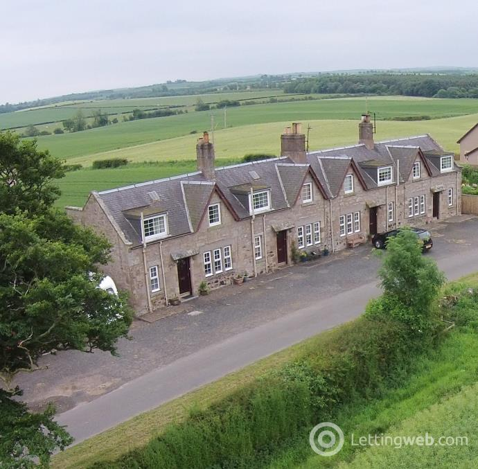 Property to rent in Greenknowe Farm Cottages
