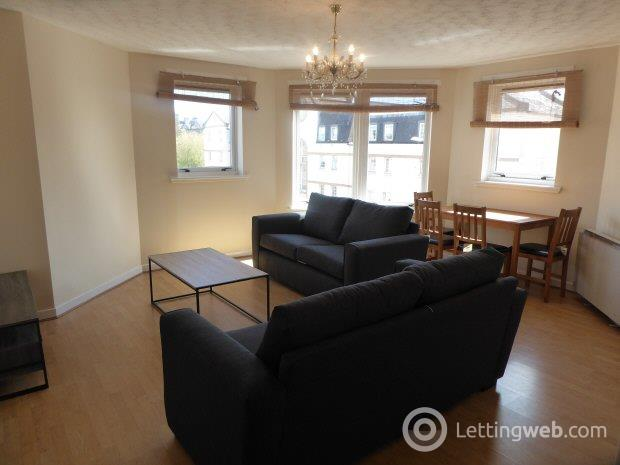 Property to rent in Robertson Avenue