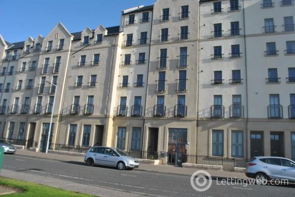 Property to rent in Flat 2 56 Newhaven Place, Edinburgh, EH6 4TG