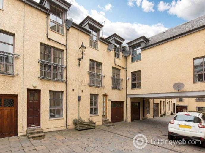 Property to rent in Old Tolbooth Wynd, Old Town, Edinburgh