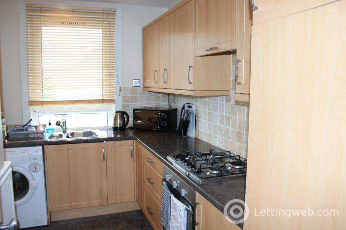 Property to rent in Whitehill Crescent