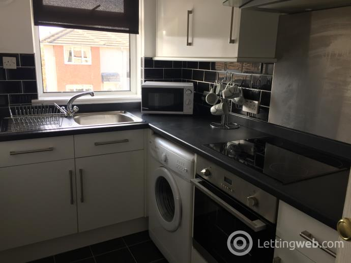 Property to rent in Mayfield Place