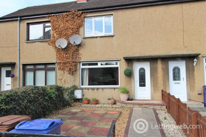 Property to rent in Edmonstone Drive,