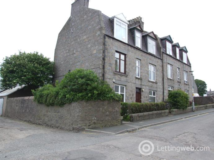 Property to rent in Bank Street