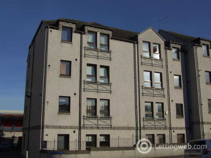 Property to rent in Ardarroch Close