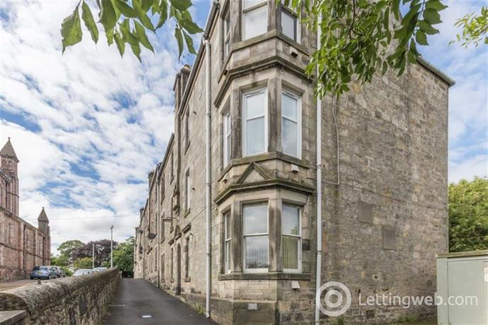 Property to rent in 83d, James Street, Dunfermline, KY12