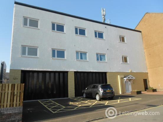 Property to rent in Young Street, Wishaw