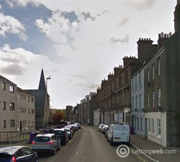 Property to rent in Castle Street, Montrose, Angus