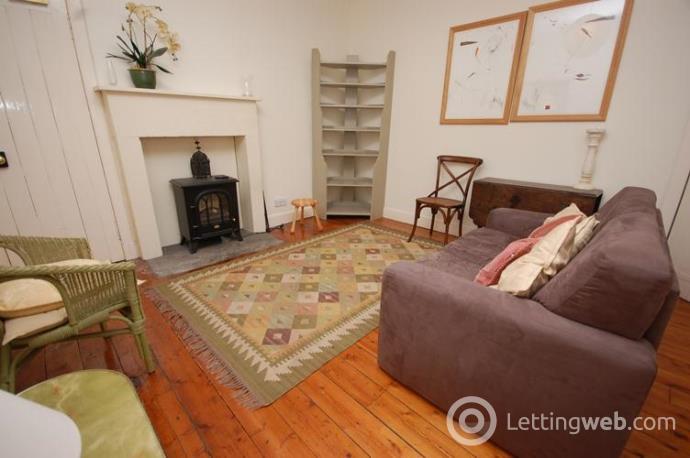 Property to rent in Robertsons Close, Edinburgh, EH1
