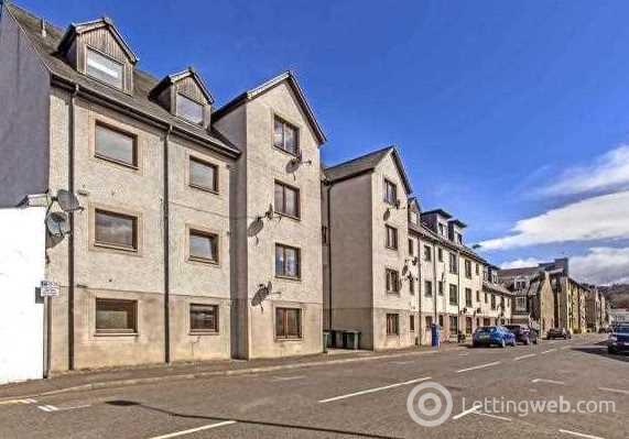 Property to rent in 2C Kings Court