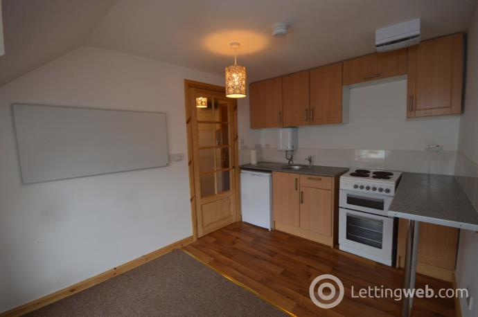 Property to rent in 36 Tomnahurich Street, Inverness, IV3