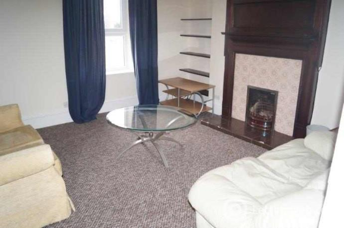 Property to rent in Orchard Place