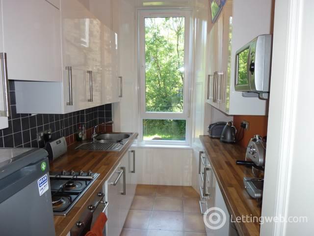Property to rent in Pitt Street, Edinburgh,