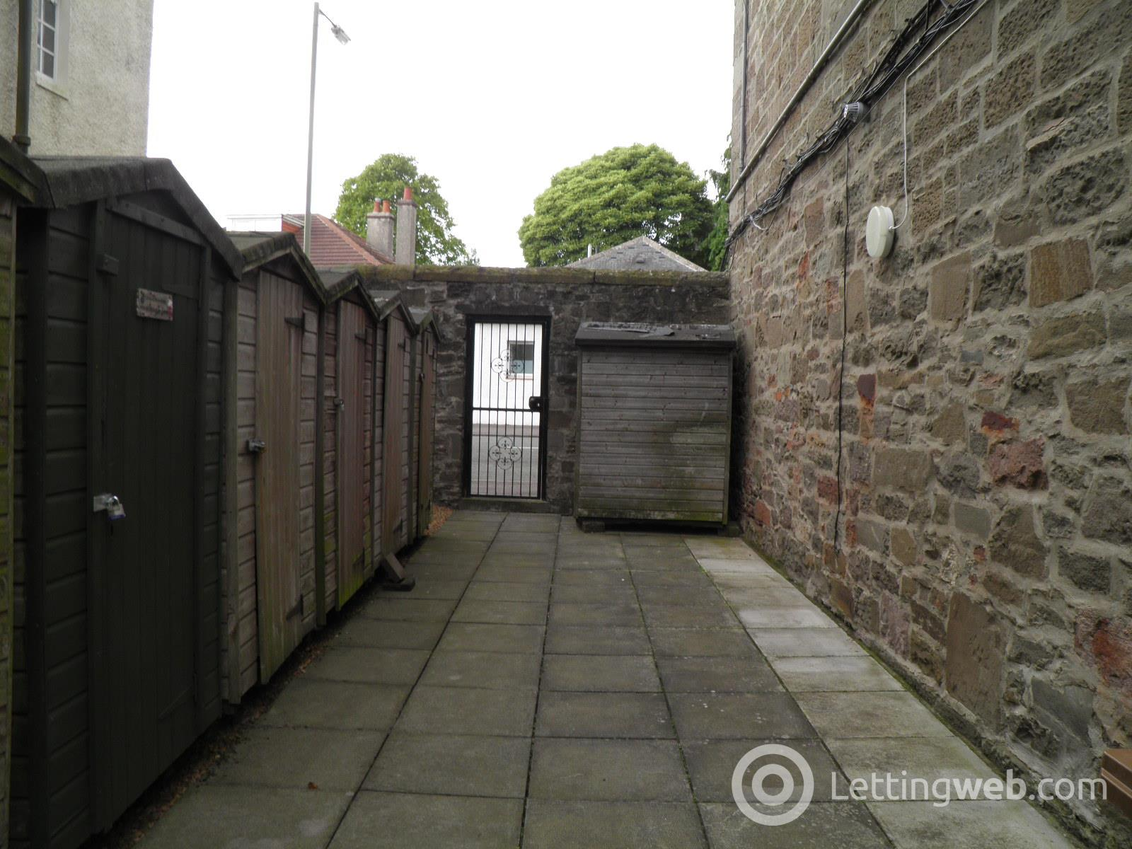 Property to rent in 274J Blackness Road, Dundee