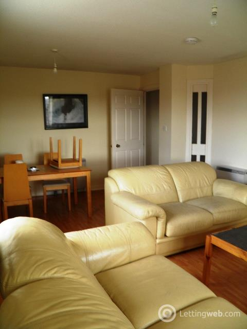 Property to rent in 9 HIGHMILL COURT