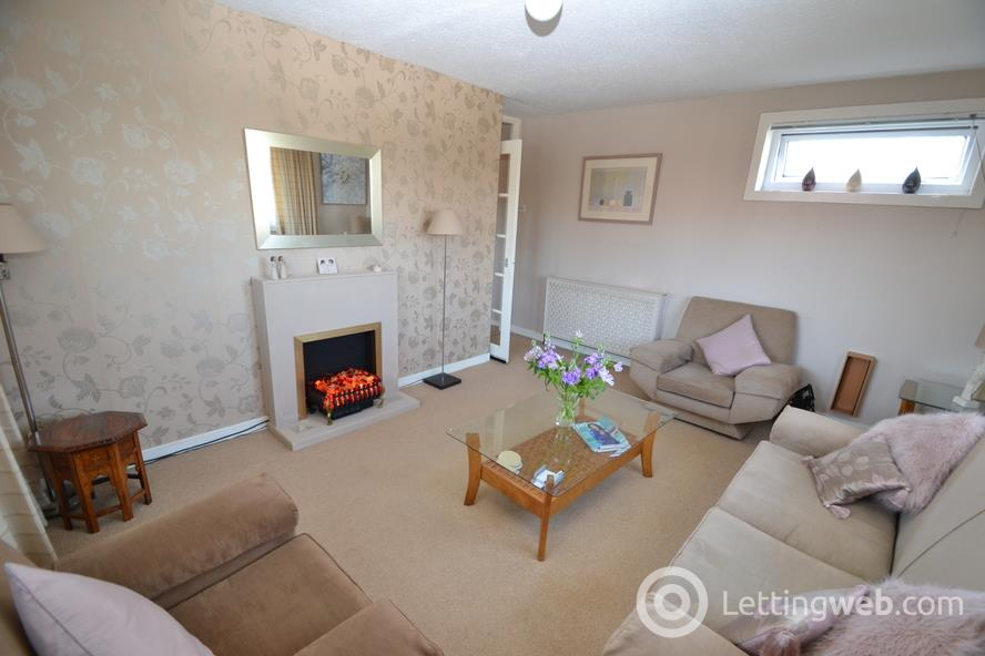 Property to rent in Kirkton Place, The Village, G74 4HR