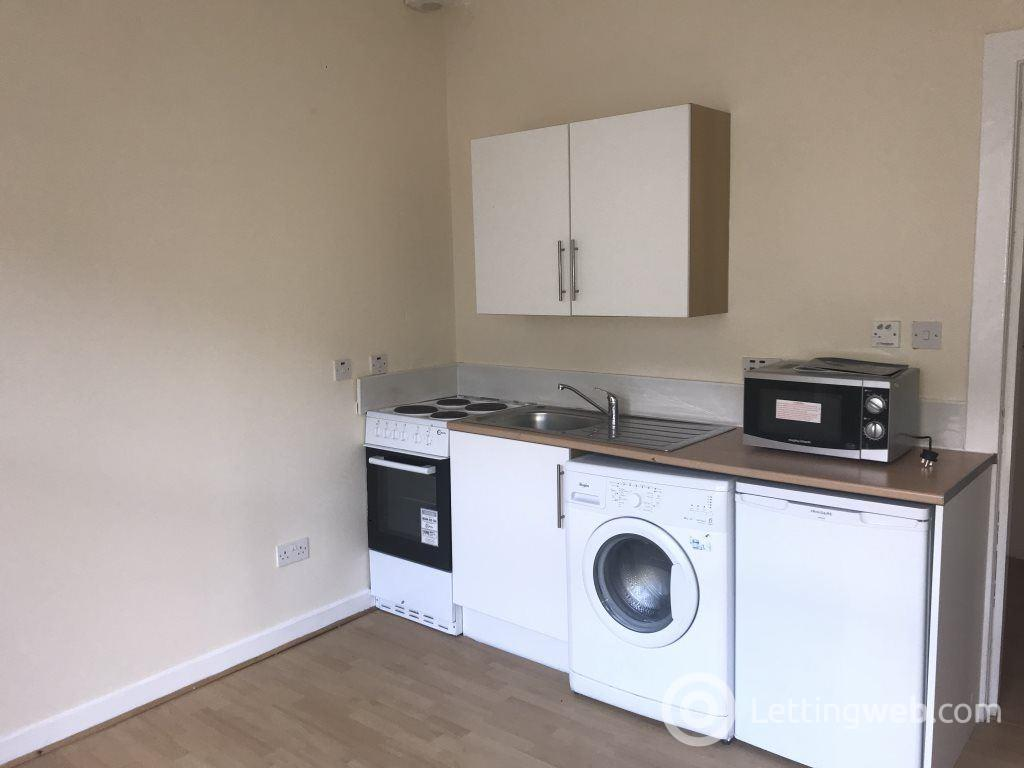 Property to rent in Bank Street, Paisley