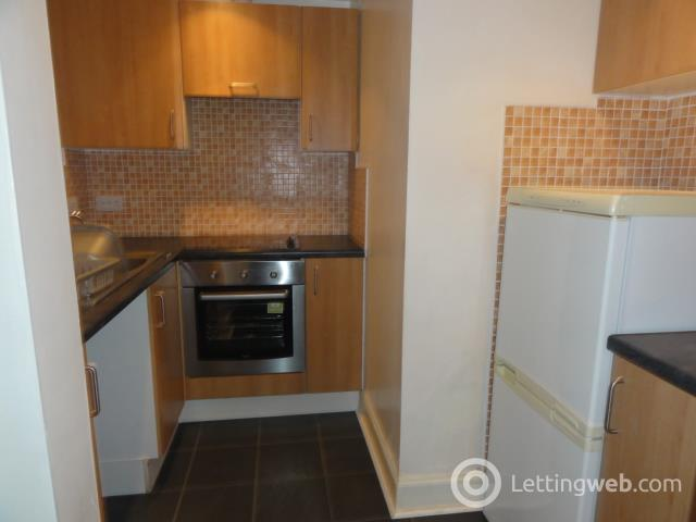 Property to rent in Restalrig Road