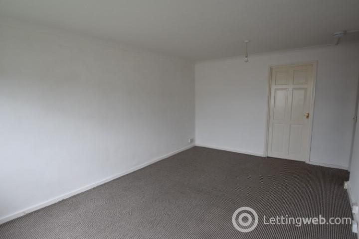 Property to rent in Pembroke