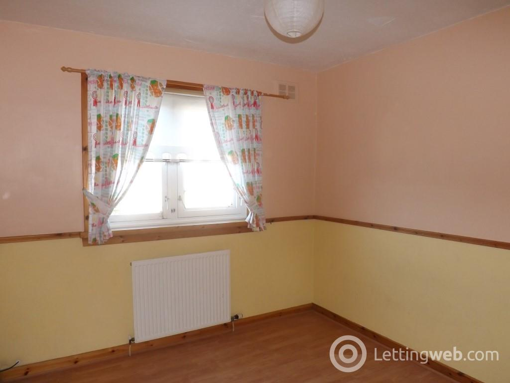 Property to rent in Langside Avenue