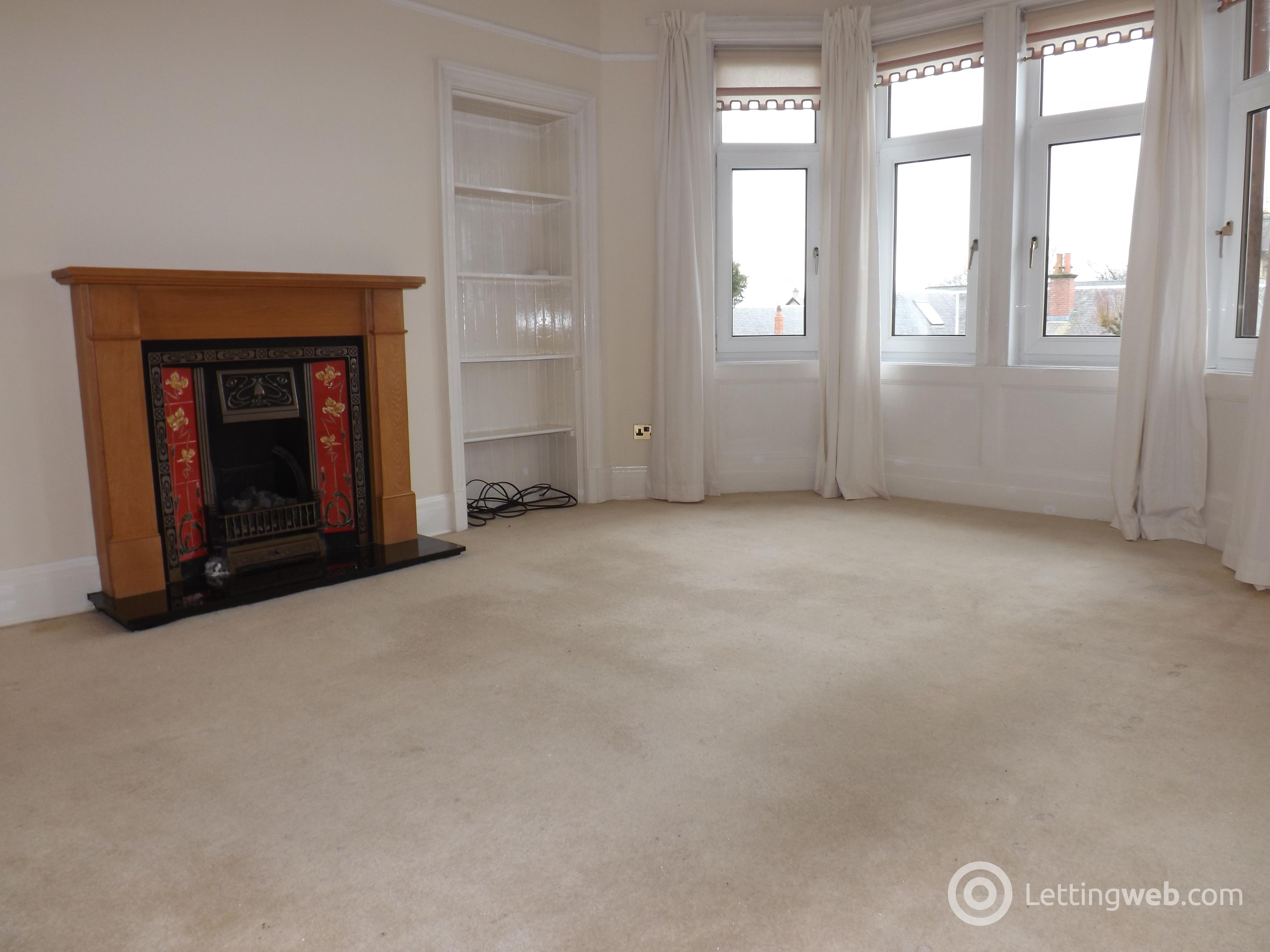 Property to rent in Dean Road
