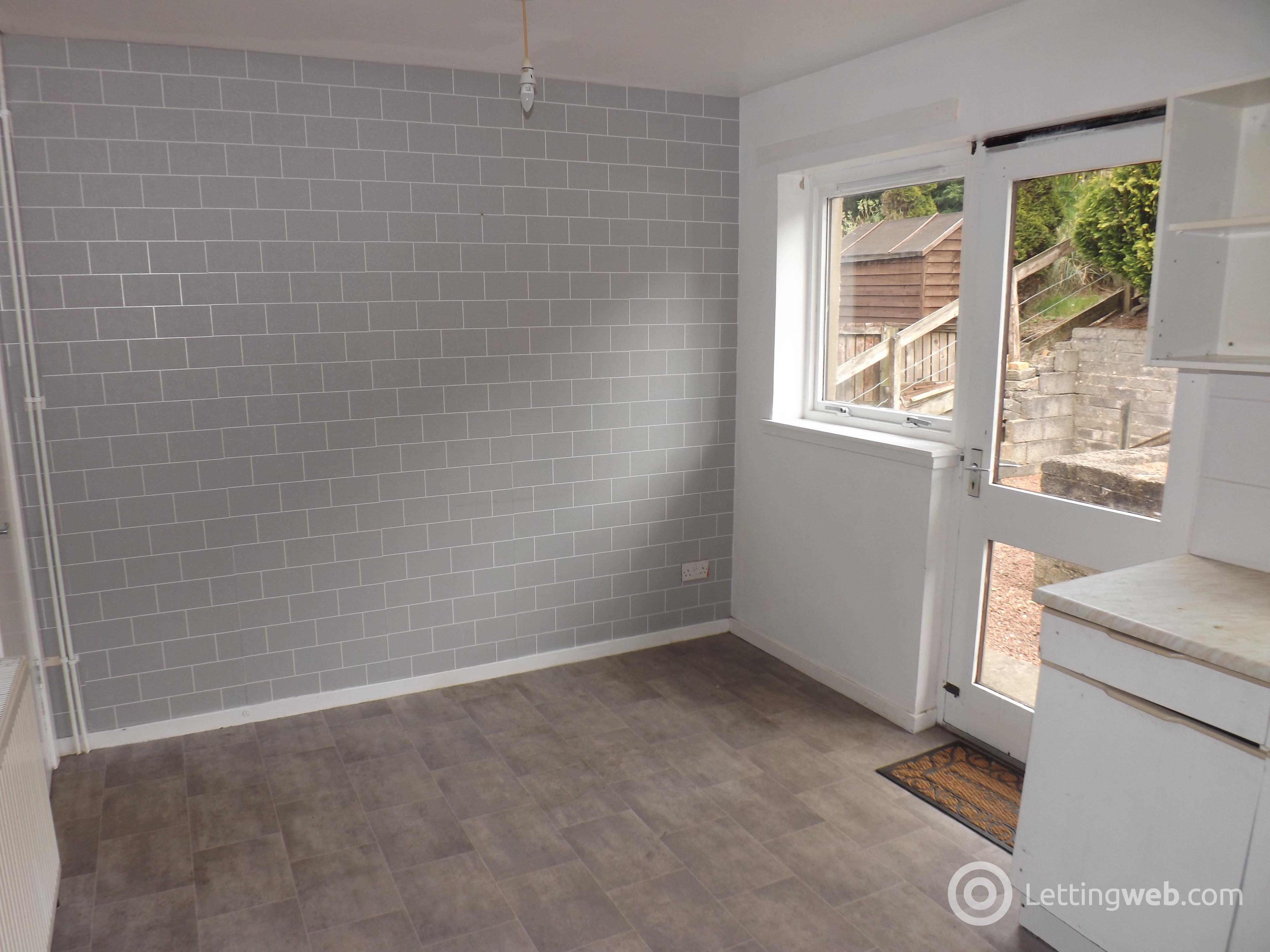 Property to rent in Balgray Avenue