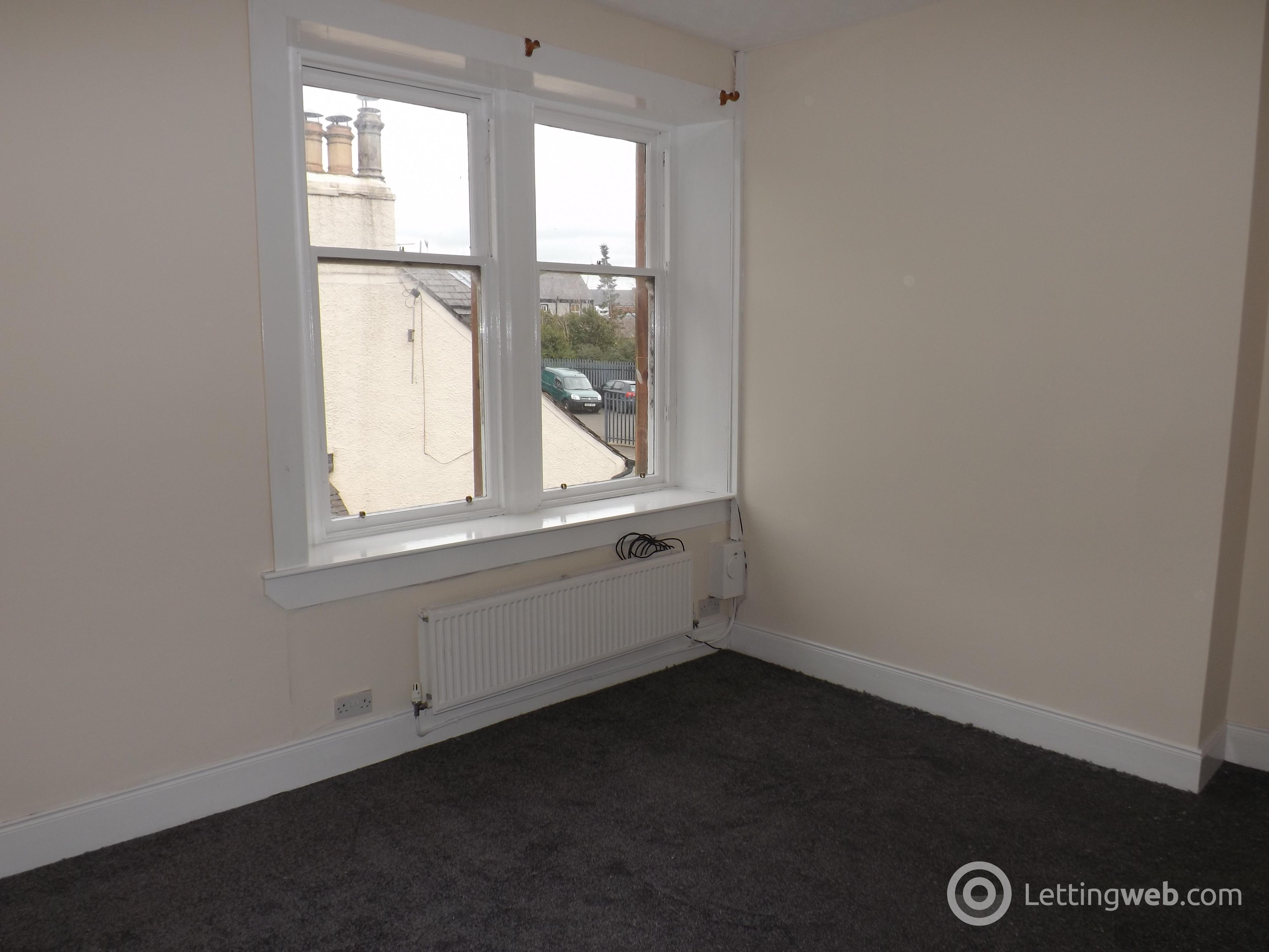 Property to rent in 17C High Street, Newmilns, Ayrshire, KA16