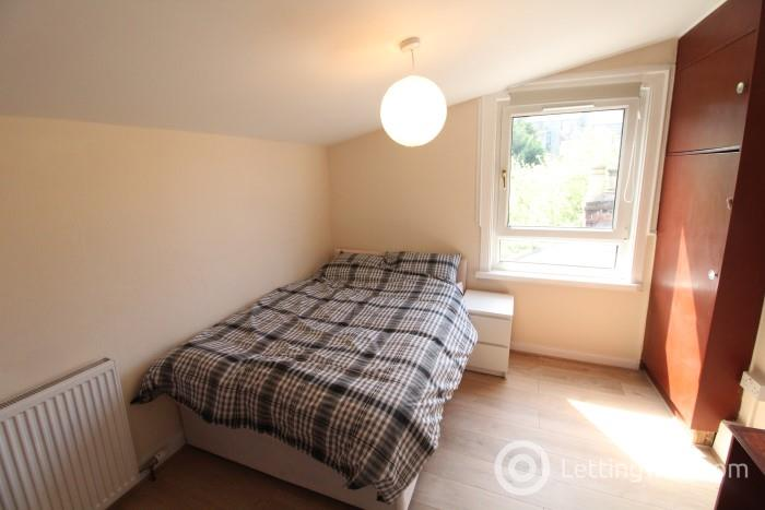 Property to rent in 136a Victoria Road