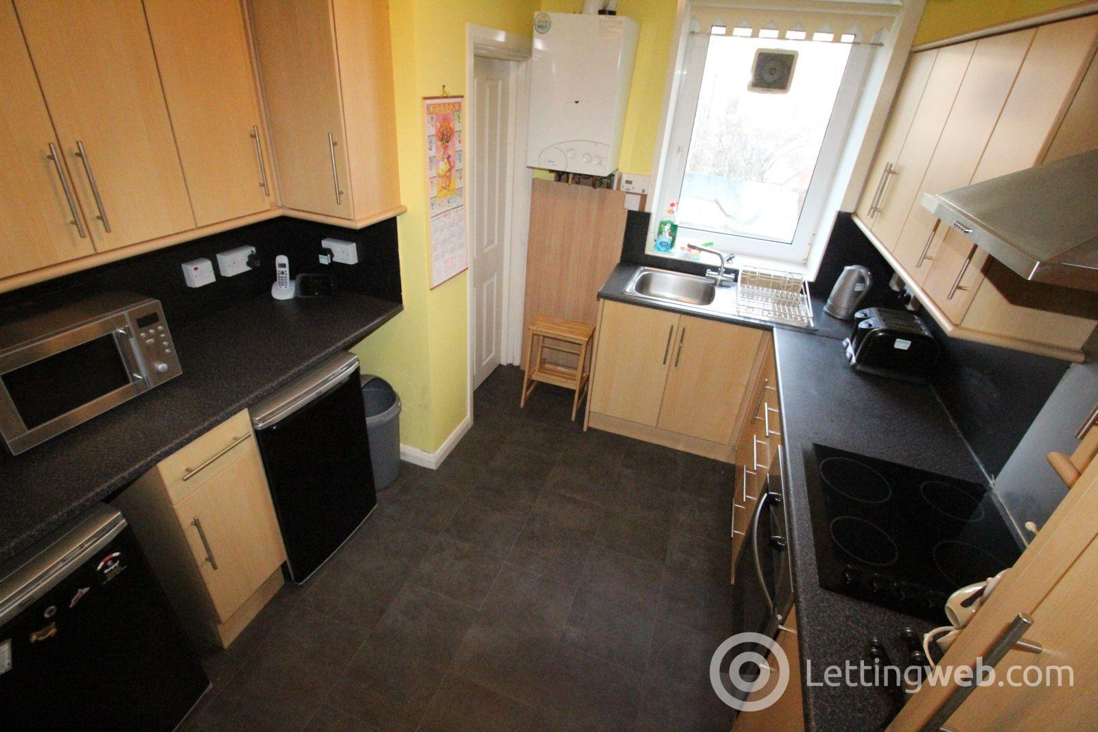 Property to rent in Flat A, 22 Willowbank Road, Aberdeen, AB11 6YH