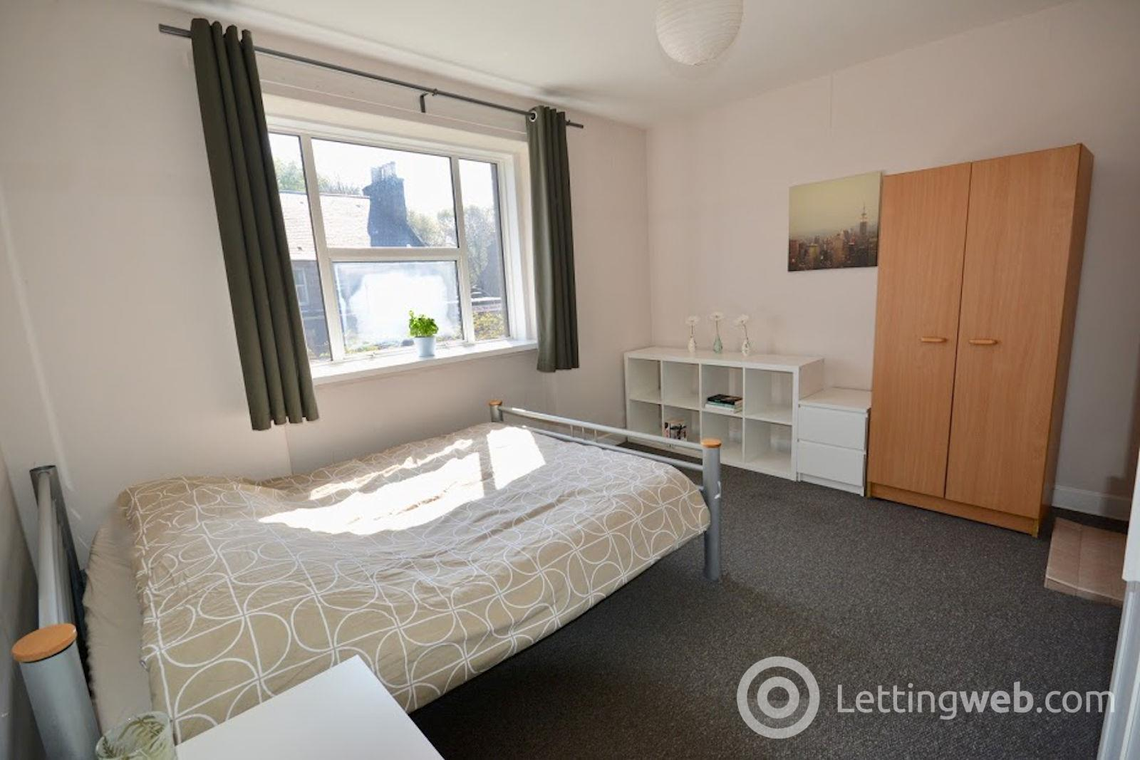 Property to rent in 644B Holburn Street