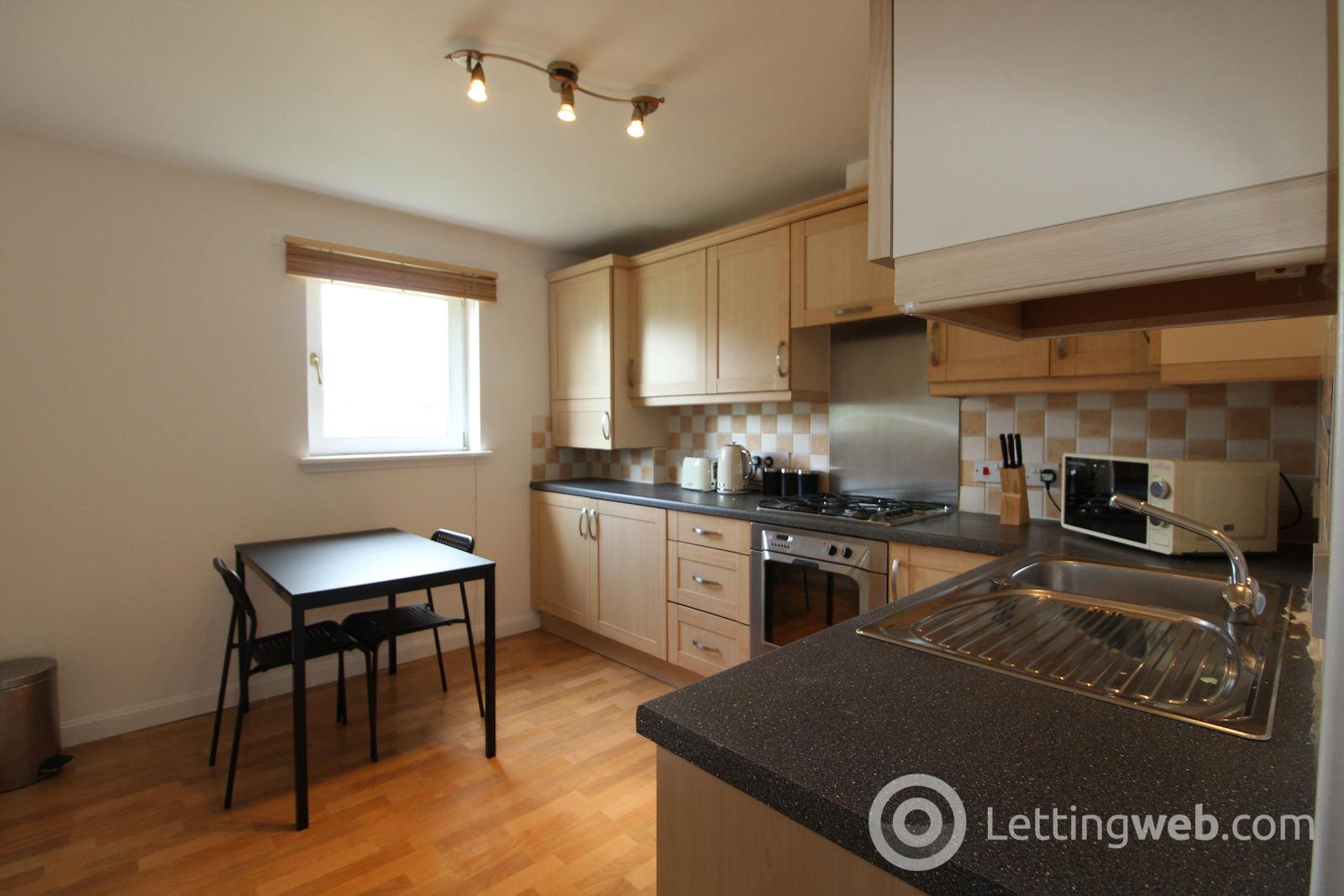 Property to rent in 42a Holland Street, Aberdeen, AB25 3UL