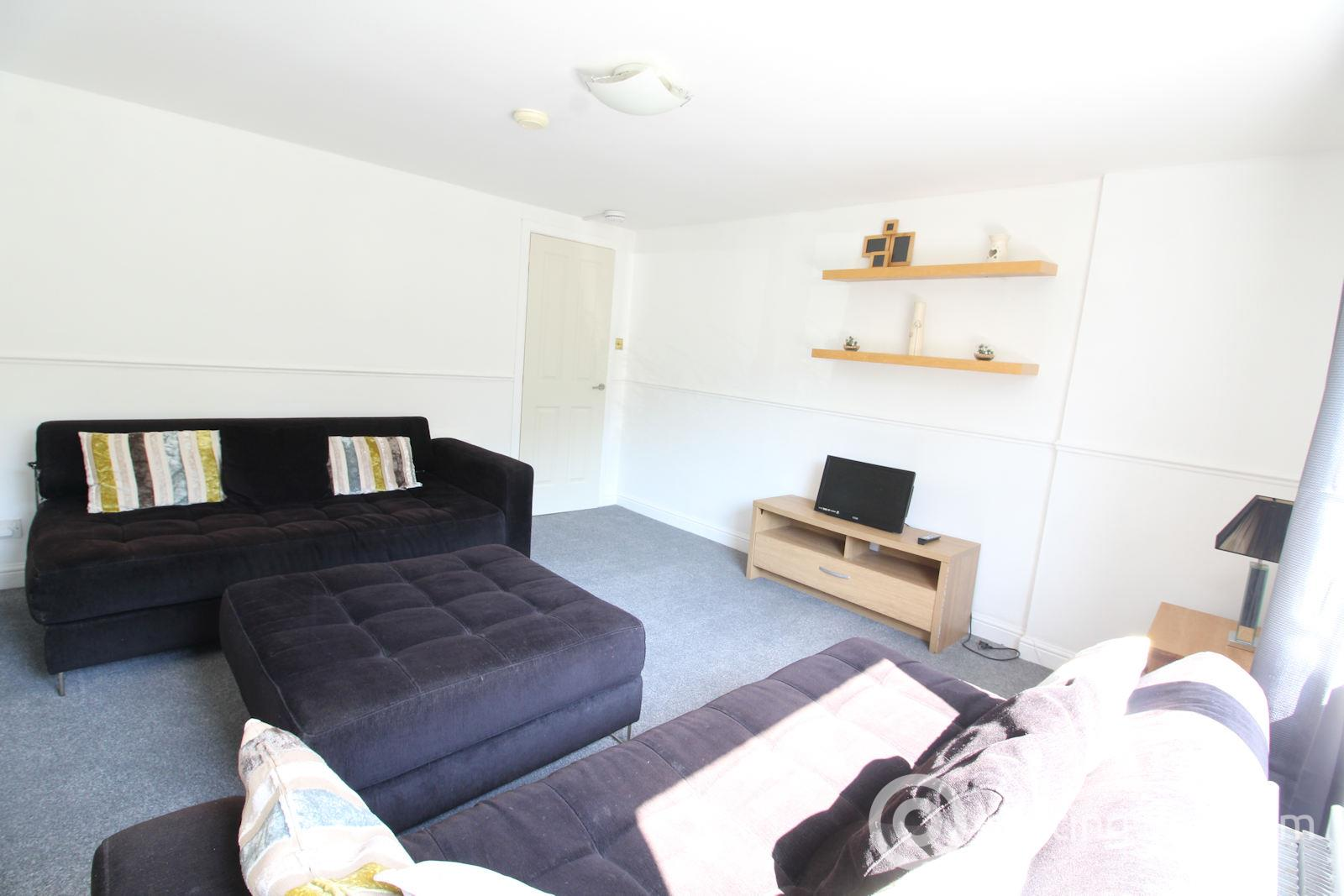 Property to rent in 166 Morrison Drive