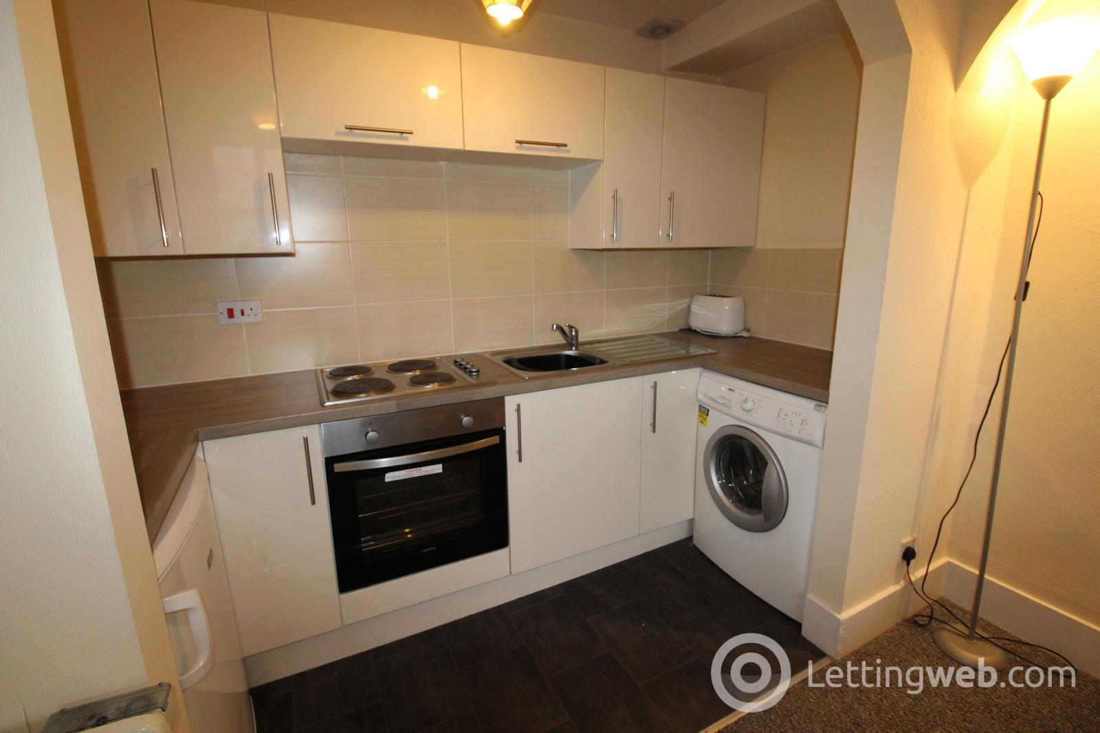 Property to rent in 17 Wallfield Crescent, Aberdeen