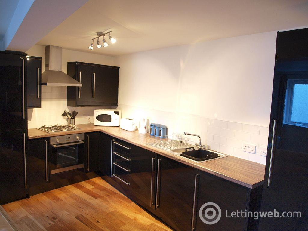 Property to rent in St John's Road, Edinburgh             Available: 26th October